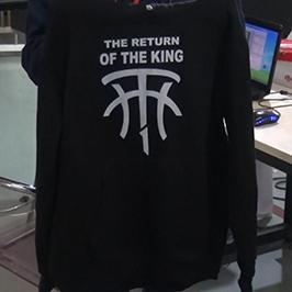 ຕົວຢ່າງການພິມເຄື່ອງນຸ່ງຫົ່ມສີດໍາໂດຍເຄື່ອງພິມ T-shirt A2 WER-D4880T